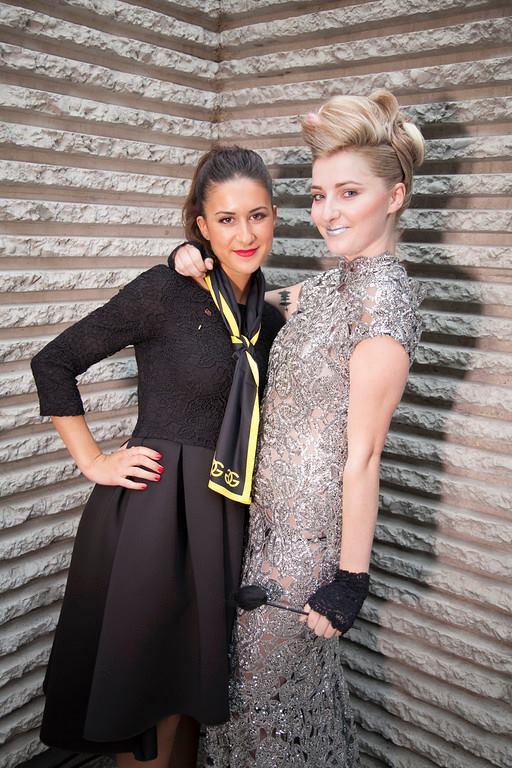 Noelia con su modelo, al finalizar el evento.
